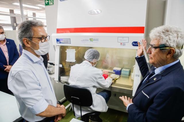 O Governador Romeu Zema E O Ministro Marcos Pontes (MCTIC) Visitaram Laboratórios Da UFMG Que Fazem Parte Da Pesquisa Rede Vírus.
